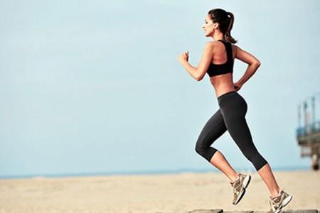 6+1 ψυχολογικά οφέλη που προσφέρει το τρέξιμο