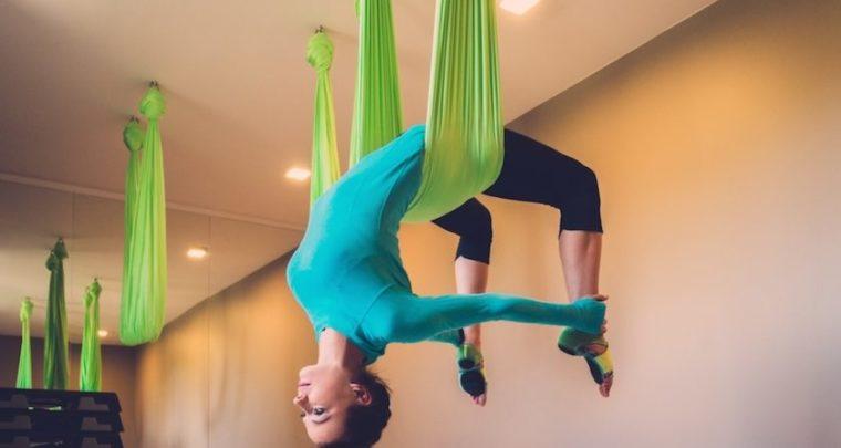 Πες ναι στην Anti Gravity Yoga και νιώσε ότι πετάς!