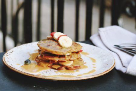 Φτιάξε τα πιο νόστιμα και υγιεινά pancakes με 3 μόνο υλικά!