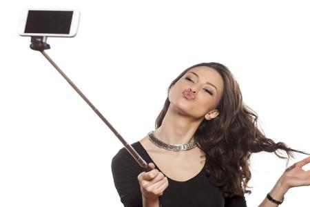 Ακολούθησε τους κανόνες: Έτσι θα βγεις την πιο ωραία χριστουγεννιάτικη selfie στο Instagram