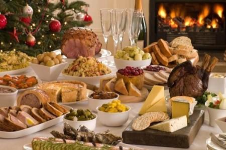 Αποκλειστικό: Τι να φας από το γιορτινό τραπέζι για να μην πάρεις κιλά-Ο Τάσος Παπαλαζάρου σου απαντά