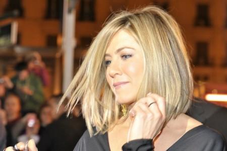 Απόκτησε τα υπέροχα λαμπερά μαλλιά της Jennifer Aniston με τη μάσκα που κάνει και η ίδια!