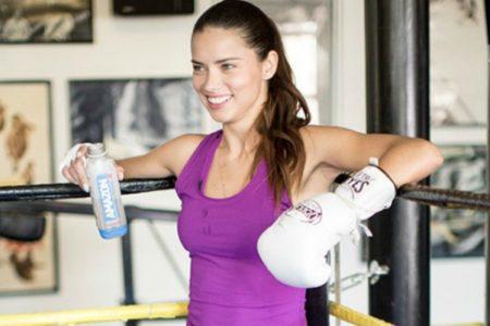 3 σούπερ ασκήσεις kick boxing για δυνατό σώμα!
