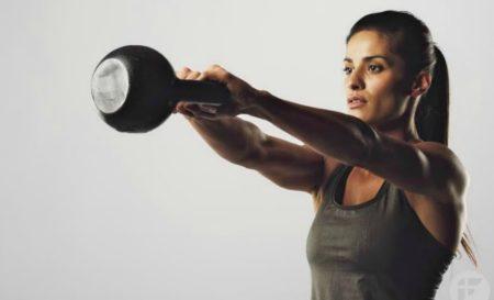 4 ασκήσεις με ketllebell που θα σε βοηθήσουν να κάψεις περισσότερο λίπος!