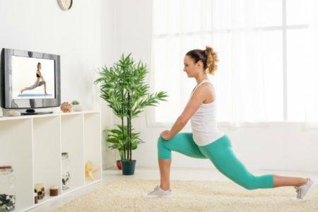 Κάψε θερμίδες στο σπίτι κάνοντας αυτό το 30λεπτο πρόγραμμα!