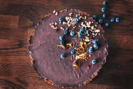 Η πιο eatfree Τάρτα με γκανάς σοκολάτα και κάρδαμο