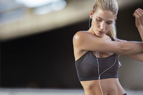 10 πράγματα που κάνει κάθε personal trainer (και εσύ δεν κάνεις)