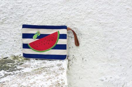 Τα 5 summer clutches για την παραλία... και όχι μόνο!