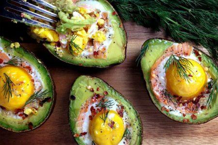 Αβοκάντο γεμιστό με γαλοπούλα και αυγά!