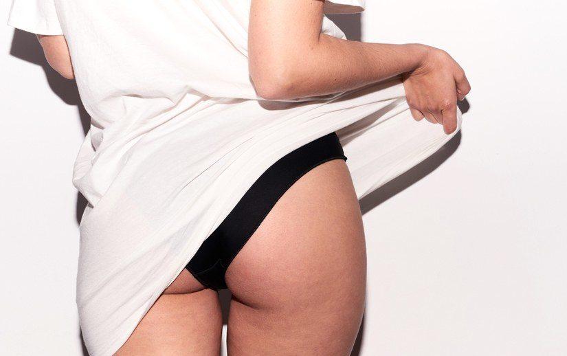 butt-workout-dumbells
