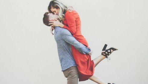 Νεαρό ζευγάρι αποκλείστηκε από τα αγγλικά λεωφορεία επειδή έκανε σεξ κατά την διάρκεια ταξιδιού (pics).